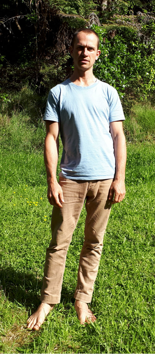 my standing posture helped create knee pain